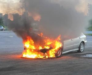 Quetigny : incendie accidentel d'une voiture!